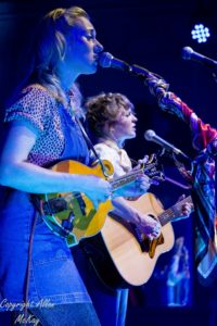 04) Abbe and Hannah